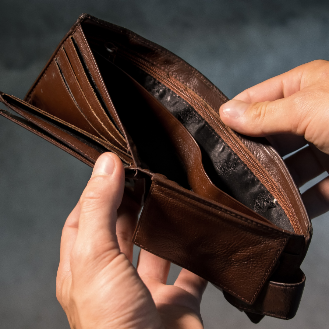 Should I lend Money to Friends or Family?